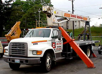 Where to find CRANE TRUCK, 10 TON DIESEL in Tacoma